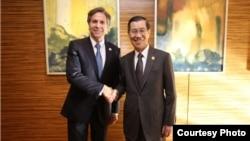 美國副國務卿布林肯在馬尼拉亞太經合會(APEC)經濟領導人會議中與台灣代表蕭萬長會面 (美國在台協會)