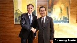 美国副国务卿布林肯在马尼拉亚太经合会(APEC)经济领导人会议中与台湾代表萧万长会面 (美国在台协会)