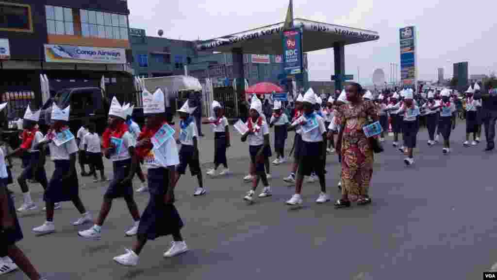 Des enfants dans les rues de Goma, lors d'une marche pacifique en RDC, le 16 juin 2016.