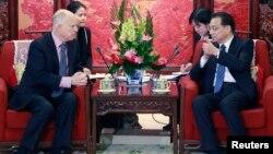 China's Premier Li Keqiang Governor Jerry Brown.