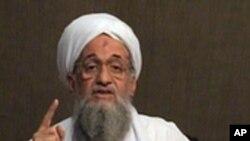 알 카에다의 새로운 지도자 아이만 알 자와흐리 (자료사진)