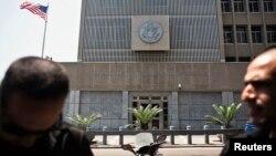 سفارت ایالات متحده در اسراییل در شهر تل ابیب موقعیت دارد.