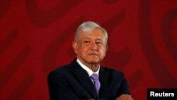 El mandatario mexicano reiteró en la carta que a mediados de su presidencia, espera hacer una consulta para preguntar a los mexicanos si quieren que continúe gobernando.