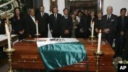 Amigos y familiares despiden al ex presidente de México, Miguel de la Madrid.