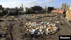 示威者星期二在開羅解放廣場舉行抗議活動