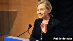 Ngoại trưởng Clinton tại Diễn đàn Hợp tác Kinh tế Châu Á Thái Bình Dương năm 2011