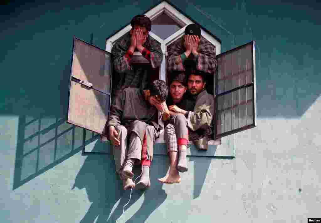 Kashmir bolalari, Hindiston