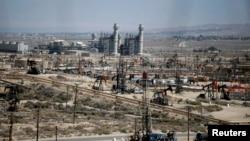 Bombas de extracción en un campo petrolero Midway Sunset, en California, Estados Unidos.