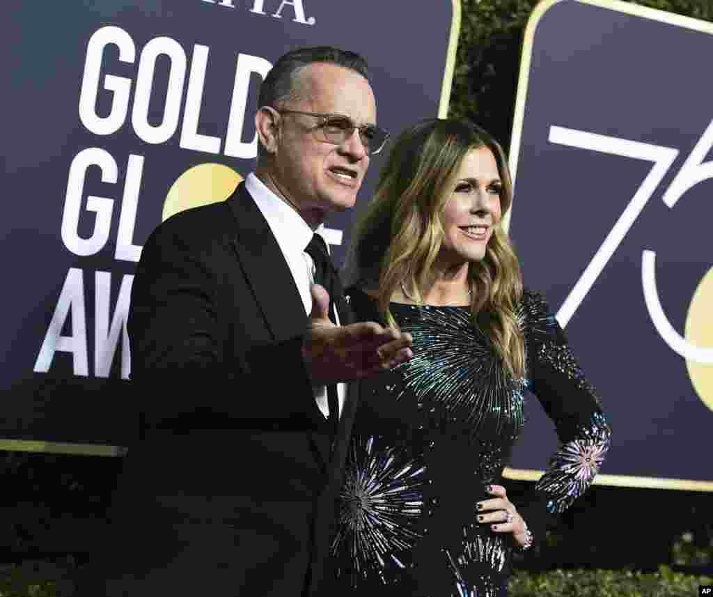«تام هنکس» با فیلم «پست» جزو نامزدهای بهترین بازیگر نقش اصلی مرد درام است. او را در کنار «ریتا ویلیسون»، همسرش می بینید