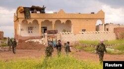 Tentara pemerintah Suriah di kota strategis Safira yang sebelumnya direbut pemberontak. (Foto: Dok)