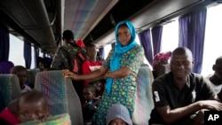 Alguns refugiados esperam pela estabilidade do país