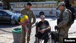 """Бійці добровольчого батальйона """"Азов"""", які повернулися з фронту"""