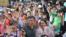 台北市长柯文哲(前排中)2017年7月16日为世界大学生运动会打气。(台北世大运官方照片)