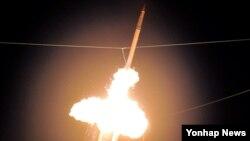 지난 2011년 하와이에서 실시된 사드(고고도 미사일 방어체계) 시험 발사 장면. (자료사진)