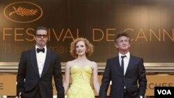 Los actores Brad Pitt, Jessica Chastain y Sean Penn en el 64º Festival Internacional de Cannes que acaba de concluir.