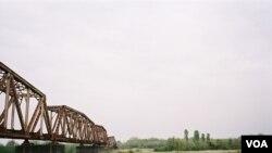 Железнодорожный мост на реке Ингури