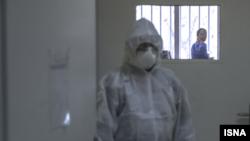 یک فرد مشکوک به کرونا در بخش ایزوله تنفسی با فشار منفی بیمارستان شهدای یافتآباد