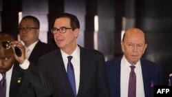 美國財政部長努欽和商務部長羅斯