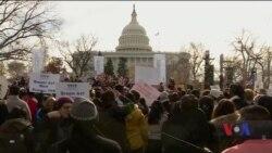 Суд у США заблокував рішення Трампа про згортання міграційної програми для «мрійників». Відео