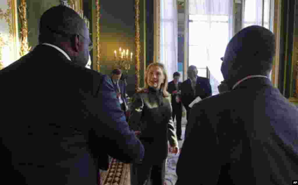 U.S. Secretary of State Hillary Rodham Clinton meets members of Nigeria's delegation at the London Conference on Somalia, Thursday Feb. 23, 2012.