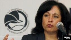 Bà Michele Leonhart, người đứng đầu Cơ quan Bài trừ Ma túy Hoa Kỳ nói ngân hàng Lebanese Canadian Bank giữ vai trò chính trong việc rửa tiền cho các tổ chức do Hezbollah kiểm soát trên toàn thế giới