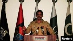 巴基斯坦陸軍發言人賈弗爾少將承認軍方情報機構與境內激進組織有聯繫