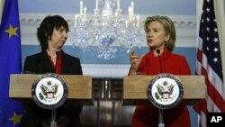 美國國務卿克林頓和歐盟外交政策負責人阿什頓在華盛頓討論了敘利亞目前的局勢
