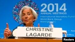 拉加德星期四﹐在華盛頓舉行的國際貨幣基金組織與世界銀行年會上講話。