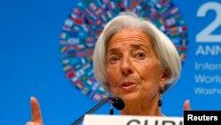 Pour Christine Lagarde, la baisse des prix des hydrocarbures va aider l'économie mondiale (Reuters)