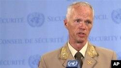 General potpukovnik Robert Mud, šef posmatračke misije UN.