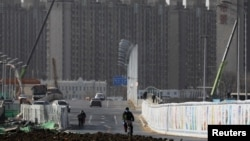 北京一處居民樓建築工地附近的街景。 (2021年1月13日)