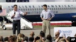 mgombania kiti cha rais wa chama cha Republican Mitt Romney,(kushoto) na mgombea mwenza wake l Paul Ryan Aug. 31, 2012