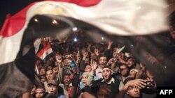 Nhân dân Ai Cập ăn mừng tại Quảng trường Tahrir sau khi Tổng thống Hosni Mubarak từ chức, 11/02/2011
