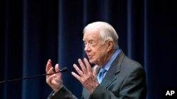 جیمی کارتر رئیس جمهوری پیشین آمریکا موفقیت گفتگوهای صلح سوریه را در گرو انتخابات آزاد و عادلانه با نظارت بین المللی می داند.