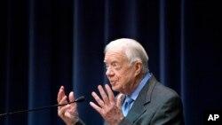 Bivši američki predsednik Džimi Karter se zalaže za okončanje zlostavljanja žena.