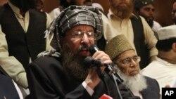 Mavlono Samiul Haq, Tolibon a'zosi, hukumat bilan muzokara qilayotgan guruh vakili, Lohurdagi matbuot anjumani paytida, 15-fevral, 2014-yil.