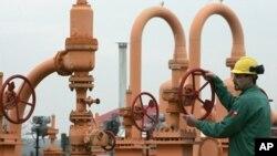 امضای معاملۀ نفت افغانستان با چین