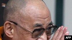 Đức Đạt Lai Lạt Ma đã từ bỏ vai trò chính trị là người đứng đầu chính phủ Tây Tạng lưu vong hồi đầu năm nay