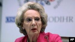 La abogada y diplomática británica Audrey Glover, preside el grupo de observadores de la OSCE que vigilará que los comicios de EE.UU. cumplan con los estándares internacionales.