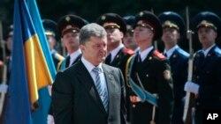 烏克蘭總統波羅申科宣誓就任。