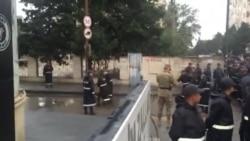 Milli Şuranın mitinqindən sonra polis mitinq iştirakçılarını saxlayıb