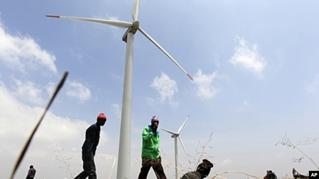 Wind turbines at Kenya Electricity Generating Company, Ngong hills, Sept. 2010 (file photo).