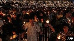 Người Cơ Ðốc giáo tham dự thánh lễ Giáng sinh tại sân vận động Gelora Bung Karno ở Jakarta, ngày 11/12/2010