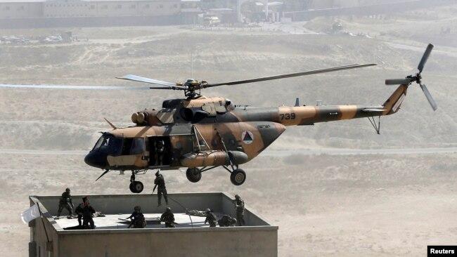 ماہرین کے بقول امریکی اور دیگر غیر ملکی کانٹریکٹرز کے جانے کے بعد افغان فضائیہ کو مسائل کا سامنا کرنا پڑے گا۔