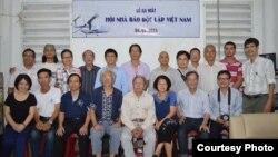 Các thành viên trong Hội nhà báo Độc lập Việt Nam.