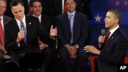 Le président Barack Obama et son adversaire républicain Mitt Romney