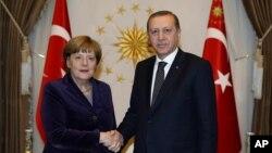 آنگلا مرکل صدر اعظم آلمان و رجب طیب اردوغان - آنکارا، فوریه ۲۰۱۶