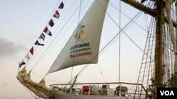 """Como parte de las celebraciones, el velero Gloria con el logo del Bicentenario de la independencia de Colombia participa en el """"Sail Cartagena 2010""""."""