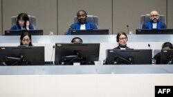 جرائم کی عالمی عدالت کے ججز ایک کیس کی سماعت کر رہے ہیں۔ (فائل فوٹو)