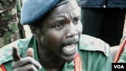 Se cree que Joseph Kony ordenó y cometió atrocidades contra cientos de niños en África.